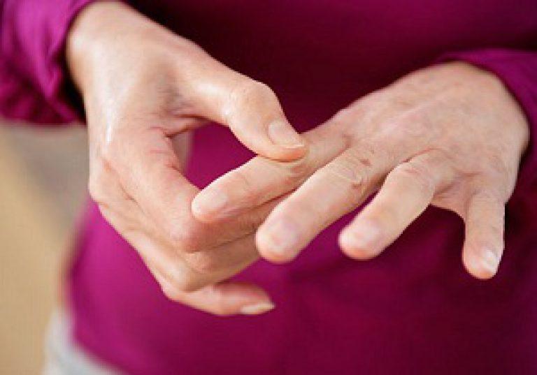kuidas eemaldada turse liigeste sormedel pohjustab valu slanders
