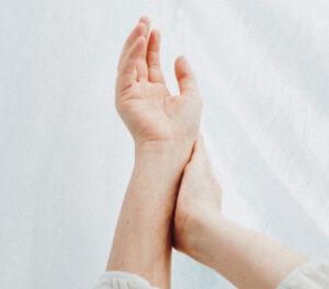 valu kuunarnuki uhises tootlemisel salvide elbian-i trauma venitamine